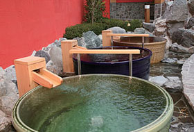 水春香里園のつぼ湯