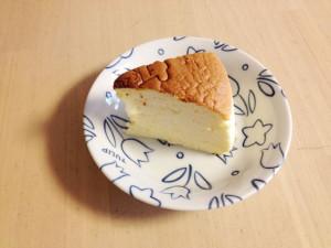 りくろーおじさんのチーズケーキを食べる