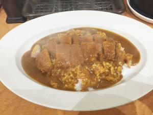 カツカレー500円