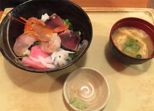 380円の海鮮丼