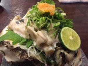 巨大な生牡蠣