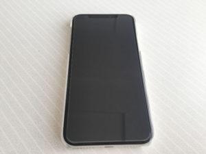 iPhoneXに液晶保護フイルムを装着