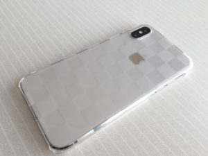 iPhoneXにカバーを装着