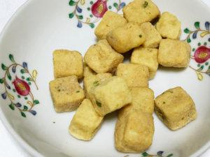 揚げだし豆腐のまんまを食べる